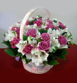 Basket Pink Roses